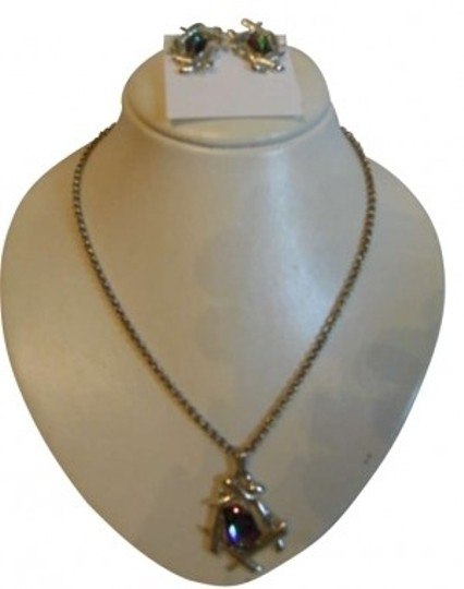 Preload https://img-static.tradesy.com/item/182119/sarah-coventry-vintage-pendant-necklace-and-earrings-0-0-540-540.jpg