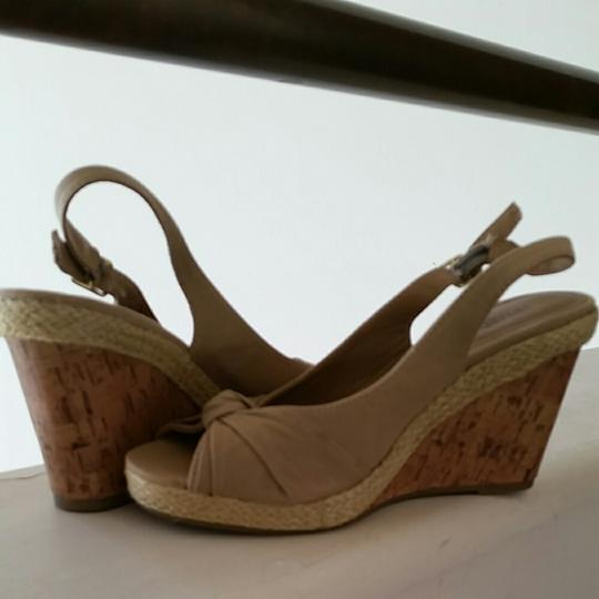 Seychelles Taupe Sandals Image 3