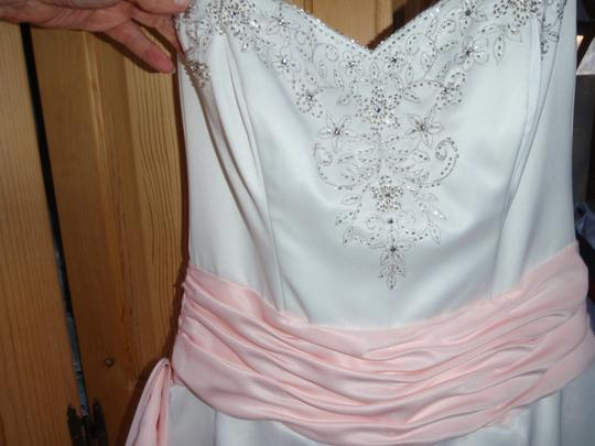 Jodi Kristopher White with Pink Ribbon Satinen Strapless Beaded and Sequin Gown Formal Bridesmaid/Mob Dress Size 10 (M)