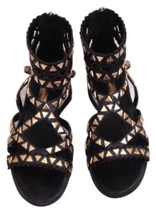 BCBGMAXAZRIA Gladiator Stud Sandal Wedge black / gold Sandals
