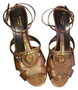 Gucci Leather Coffee brown Pumps