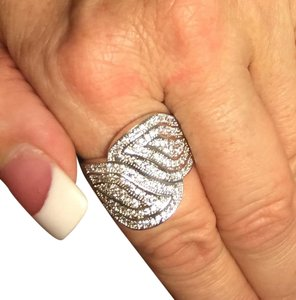 NRamseyStreet Collection Exquisite Finger ring