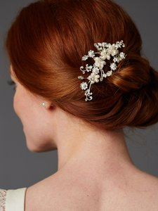 Mariell Freshwater Pearl And Light Silver Bridal Comb 4388hc-i-s