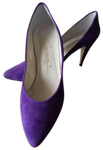Caressa Bold Color PURPLE Pumps