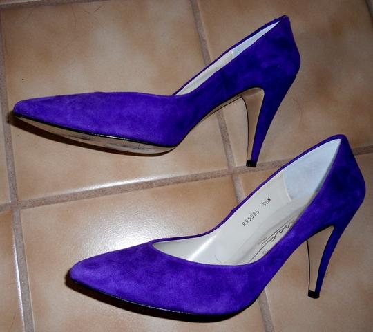 Caressa Bold Color Super Comfortable Suede Leather PURPLE Pumps Image 2