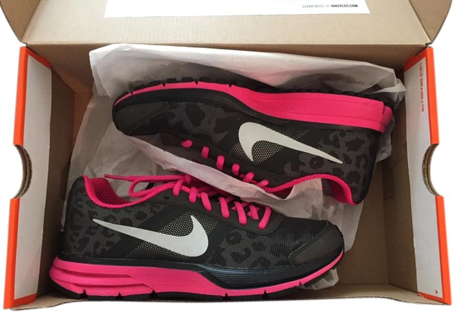 e6e29c88ae77d Nike Pink   Leopard Air Pegasus + 30 Shield and Sneaker Sneakers. Size  US 5  ...