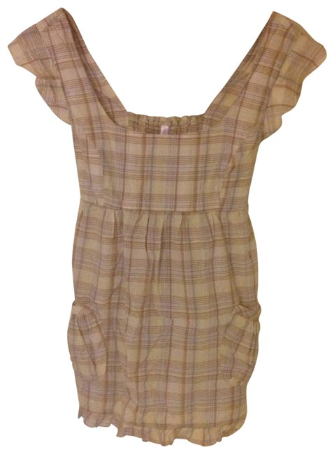 Preload https://item5.tradesy.com/images/mossimo-supply-co-beigeyellowplaid-blouse-size-8-m-182224-0-0.jpg?width=400&height=650