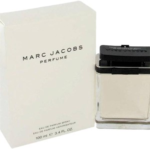 Marc Jacobs Marc Jacobs - Gift Set - 3.4 oz Eau De Parfum Spray + 5.1 oz Body Lotion + .34 oz EDP Roller Ball