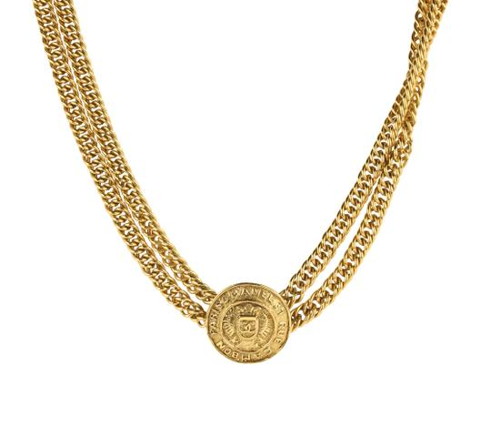 Preload https://img-static.tradesy.com/item/1822550/chanel-gold-medallion-charm-double-chain-necklace-0-1-540-540.jpg