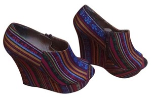 Steve Madden Multicolored Wedges