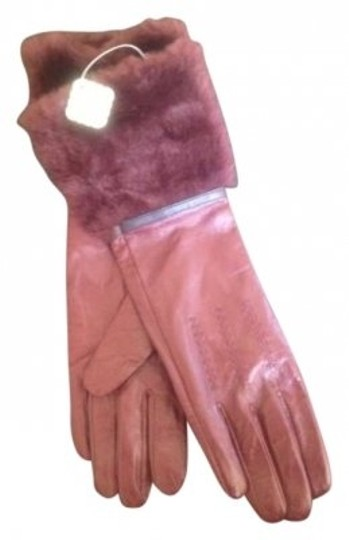 Preload https://item4.tradesy.com/images/pins-and-needles-oxblood-leather-fur-gloves-182268-0-0.jpg?width=440&height=440
