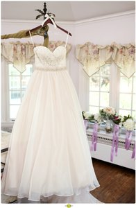 Essense Of Australia Style D1702 Wedding Dress