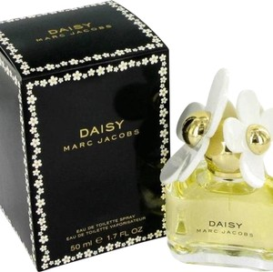 Marc Jacobs Daisy Perfume 3.4oz by Marc Jacobs.