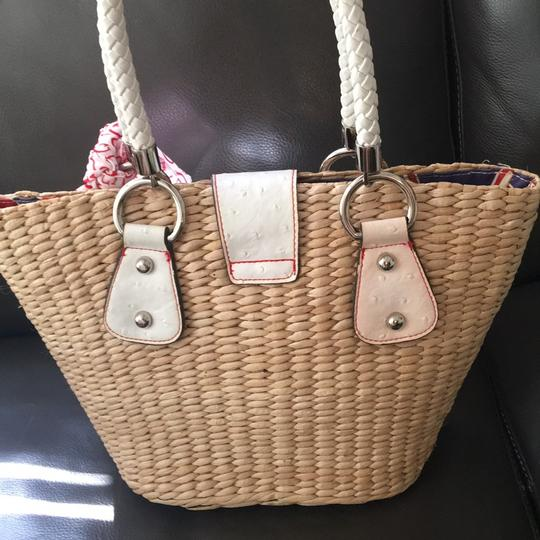 Guess Tote in Natural Image 3