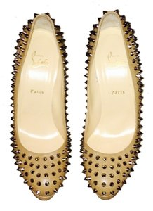 Christian Louboutin beige leather spike Pumps