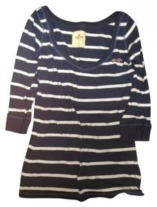 Hollister T Shirt Navy & White