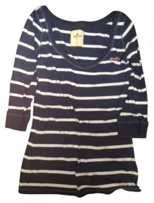 Preload https://img-static.tradesy.com/item/182325/hollister-navy-and-white-striped-tee-shirt-size-4-s-0-0-650-650.jpg