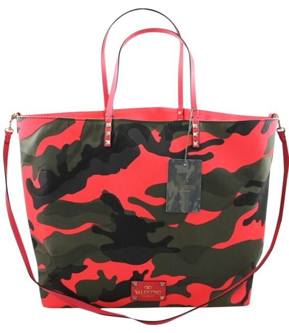 Item - Reversible Camo Camoflage and Pink Canvas Tote