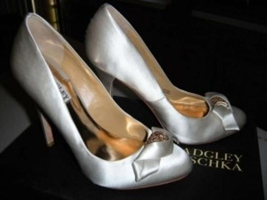 Badgley Mischka Ivory Formal Size US 7.5