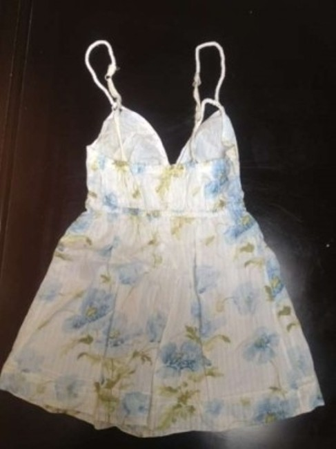 Gilly Hicks Top White & Blue floral