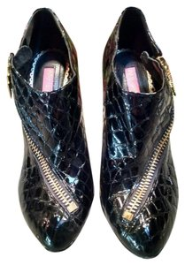 Betsey Johnson Croc Lightening Reptile Funky Black and gold Boots