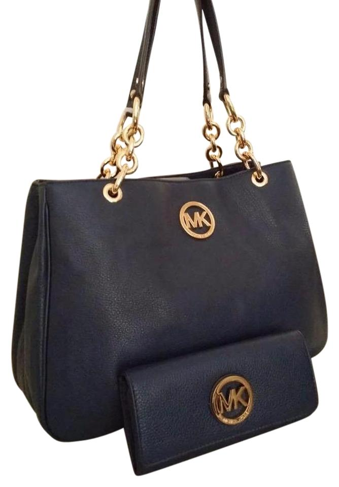 Michael Kors Fulton Chain Tote Wallet Included Gold Tone Hardware Shoulder  Bag Image 0 ... ab3ae183c7618