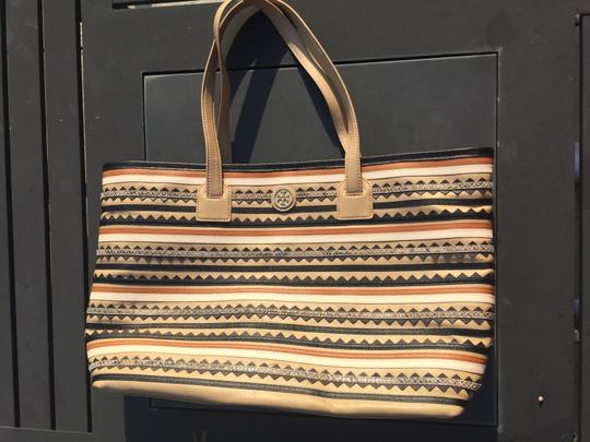 Tory Burch Leather Logo Tote in Mid Camel Multi Image 1