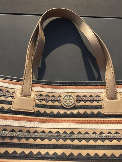 Tory Burch Leather Logo Tote in Mid Camel Multi Image 3