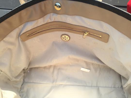 Tory Burch Leather Logo Tote in Mid Camel Multi Image 4