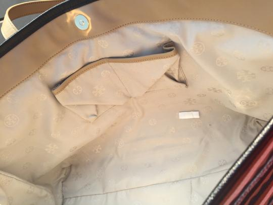 Tory Burch Leather Logo Tote in Mid Camel Multi Image 6