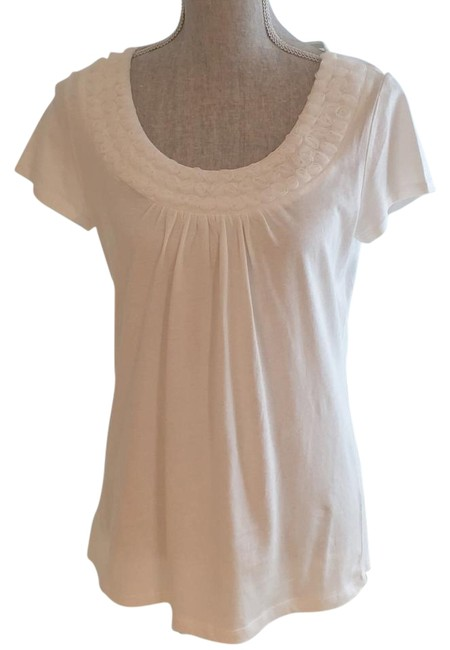 Preload https://img-static.tradesy.com/item/18237349/ann-taylor-loft-white-scoop-neck-with-petite-rosettes-medium-tee-shirt-size-8-m-0-2-650-650.jpg
