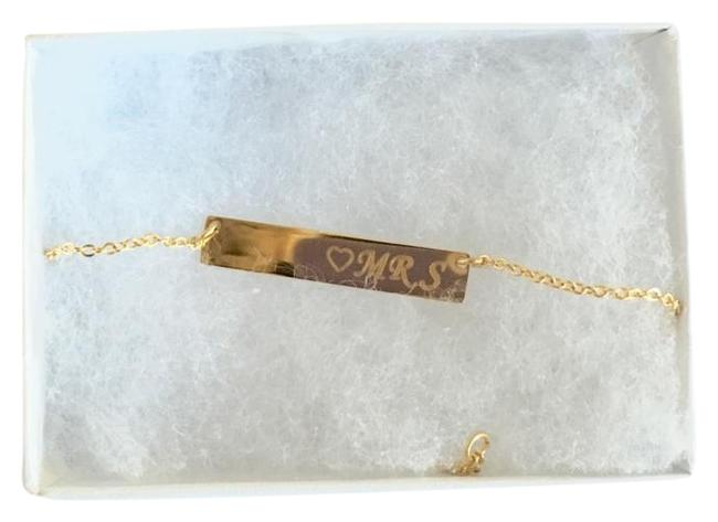 """Item - Gold-tone Bar Engraved with Heart & """"Mrs"""" Necklace"""
