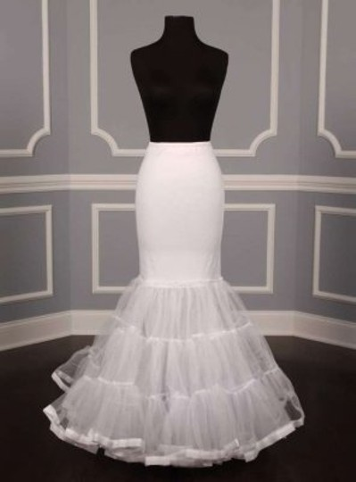 Preload https://item3.tradesy.com/images/white-mermaid-style-slip-petticoat-size-small-182437-0-0.jpg?width=440&height=440