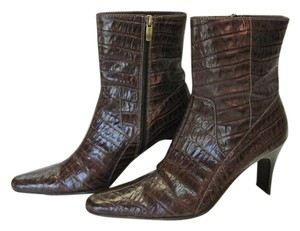 AK Anne Klein Size 7.50 M Reptile Design Leather Very Good Condition Brown Boots