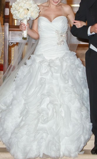 Allure Bridals Ivory Organza Style #8950 Formal Wedding Dress Size 4 (S) Image 2