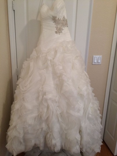 Allure Bridals Ivory Organza Style #8950 Formal Wedding Dress Size 4 (S) Image 7