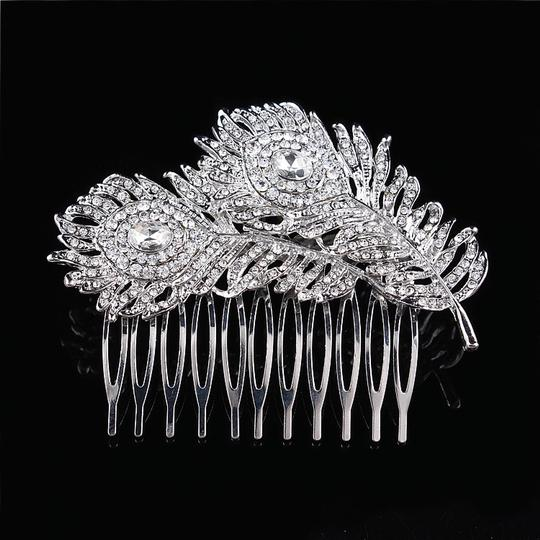 Preload https://img-static.tradesy.com/item/18246916/925-leaf-vine-vintage-hair-crystal-comb-leaf-2-double-rhineshone-clear-pageant-prom-0-0-540-540.jpg
