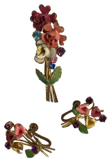 Preload https://img-static.tradesy.com/item/18247981/gold-tone-red-pink-white-green-yellow-blue-purple-vintage-flower-brooch-pin-earrings-set-0-1-540-540.jpg