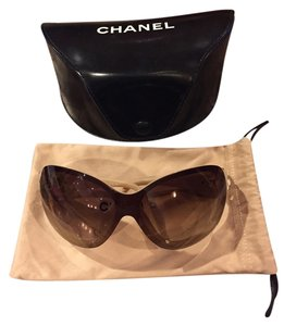 Chanel Chanel oversized Camellia sunglasses