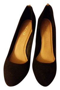 Aldo Trendy Black with Gold zippers Wedges