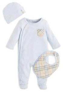 Burberry Burberry Boys Footie, Hat and Bib Set Size: 9 Months