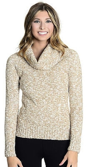 Preload https://img-static.tradesy.com/item/18253828/banana-republic-beige-turtleneck-sweaterpullover-size-6-s-0-0-650-650.jpg