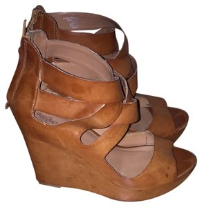 921711f89c1 Mossimo Supply Co. Wedges - Up to 90% off at Tradesy