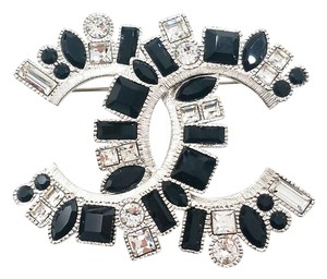 Chanel Chanel New 16 Pre Fall Runway Silver CC Black Crystal Large Brooch