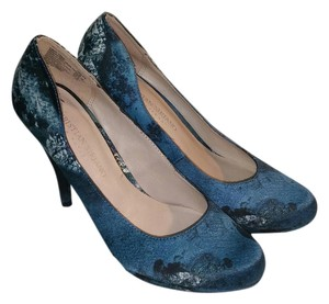 Christian Siriano for Payless High Heel Blue, Black and White Pumps