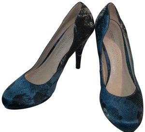 Christian Siriano High Size 6.5 Blue, Black and White Pumps