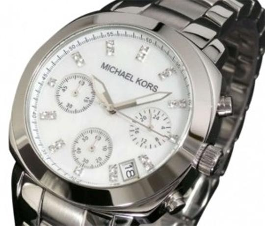 Preload https://item2.tradesy.com/images/michael-kors-silver-mk5092-watch-182631-0-0.jpg?width=440&height=440