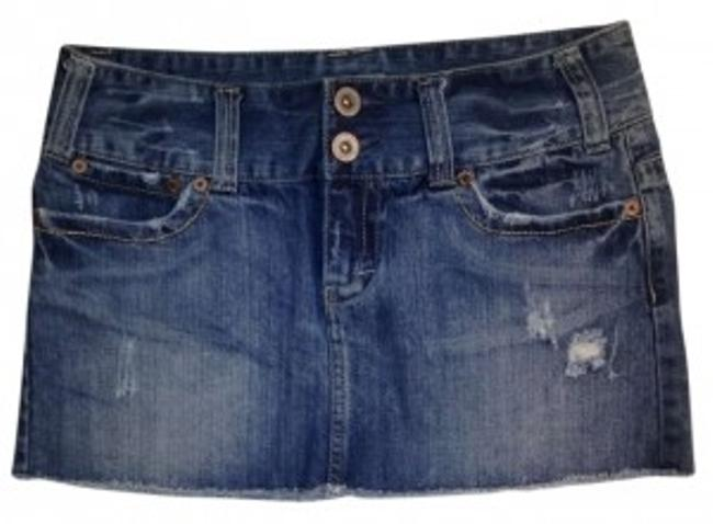 Preload https://img-static.tradesy.com/item/182709/american-eagle-outfitters-medium-blue-jean-distressed-miniskirt-size-4-s-27-0-0-650-650.jpg