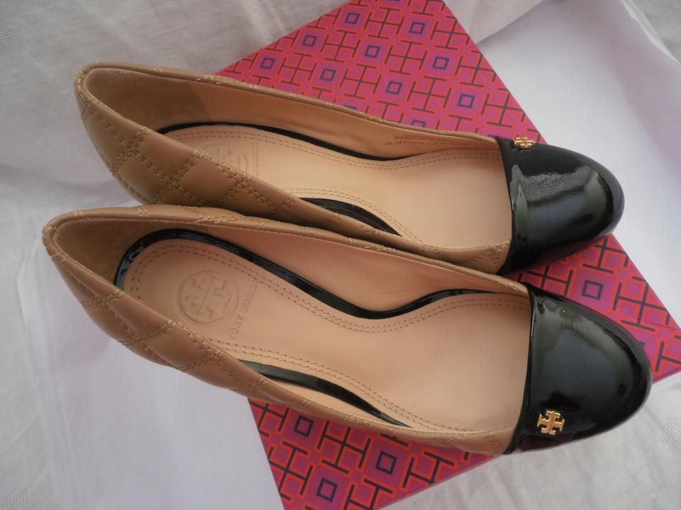 bef078c0090d Tory Burch Clay Beige Black Claremont Quilted Brazil Wedges Size US 8  Regular (M