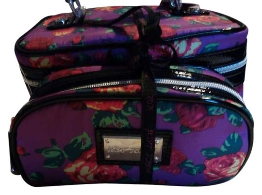 Betsey Johnson Makeup Train Set Twinkle Toes Purple Travel Bag